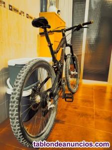Bicicleta Rocky Mountain Slayer 30