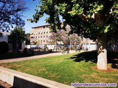 Piso con terraza/patio, en el centro de santa rosa, urbanización  con piscina garaje y trastero,