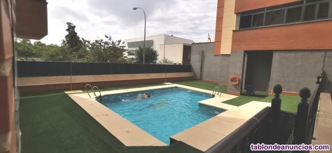 Piso de 4 dormitorios en perfecto estado con gran terraza cerrada - piscina y garaje