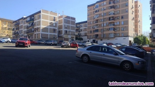 Piso de 90 metros con plaza de aparcamiento en Avenida de Carlos III!!