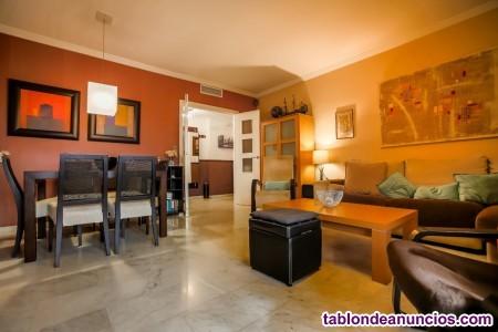 Espaciosa vivienda en residencial situado en glorieta Amadora