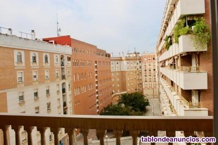 Amplia vivienda en alquiler con 4 dormitorios, junto a Vista Alegre