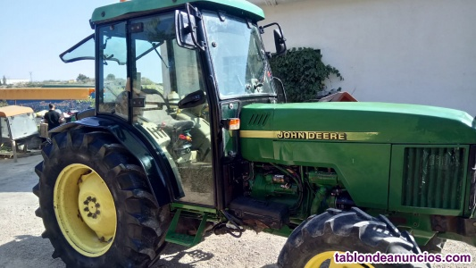 Tractor Marca John Deere.