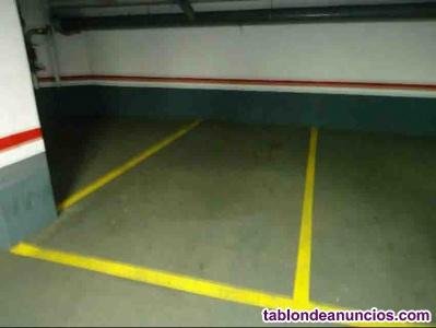 Plaza parking con mando