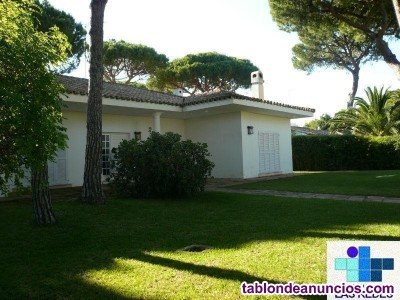 Chalet, Independiente, 945 m2, 6 dormitorios, 4 ba