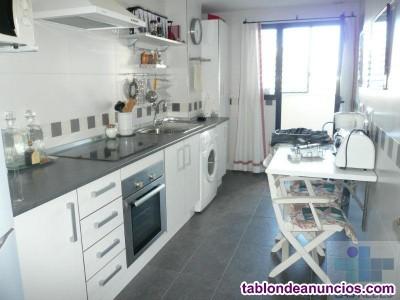 Atico, 80 m2, 2 dormitorios, 2 baños, 1 garajes, S
