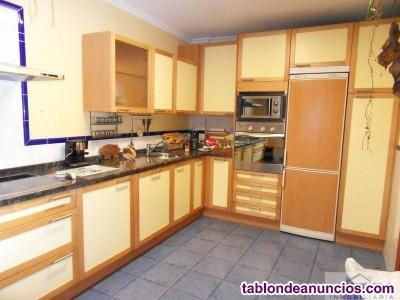 Chalet, 170 m2, 3 dormitorios, 2 baños, 2 garajes,