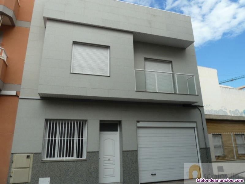 Casa, Unifamiliar, 404 m2, 5 dormitorios, 4 baños,