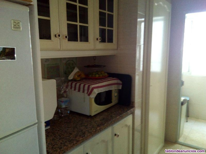 Piso, 98 m2, 3 dormitorios, 1 baños, Reformado, Ex
