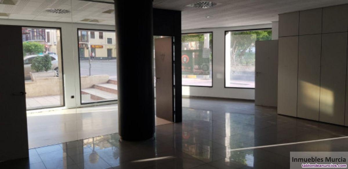 Local, 124 m2, 2 dormitorios, Buen estado, Exterio