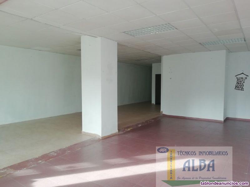 Local, Independiente, 135 m2, Buen estado, Exterio