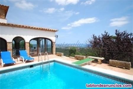 Villa estilo rústica con magníficas vistas al mar