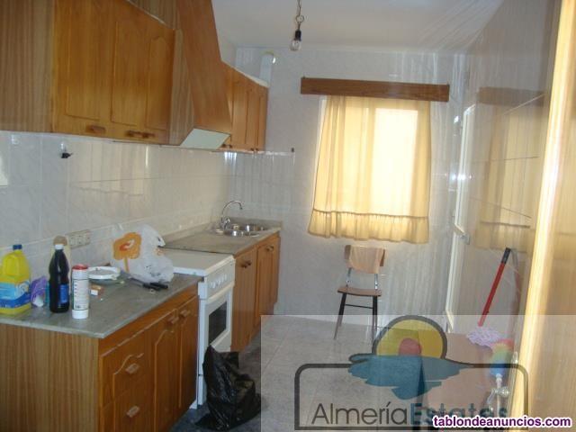Piso, 100 m2, 4 dormitorios, 2 baños, Para reforma