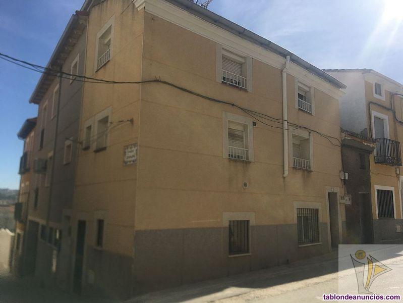 Casa, 131 m2, 3 dormitorios, 2 baños, Para reforma