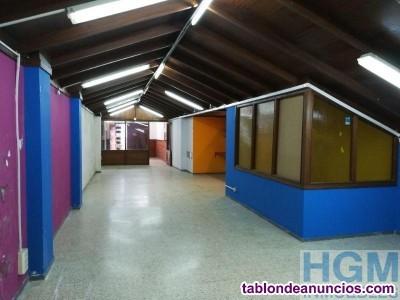 Local diáfano de 132 m² a ras calle + 101 m² de só