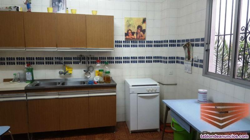 Casa, 120 m2, 3 dormitorios, 2 baños, Buen estado,