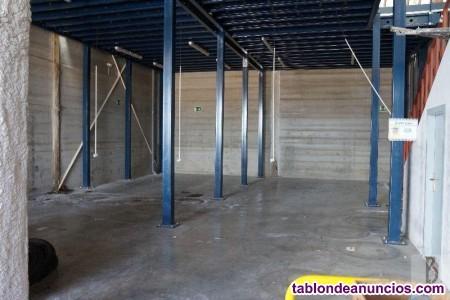 Nave, 271 m2, 2 dormitorios, Buen estado, planta 0