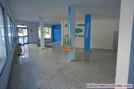 Local, 190 m2, 3 dormitorios, Semi reformado, Exte
