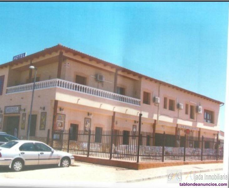 Restaurante, Hotel de 21 habitaciones, con salón a