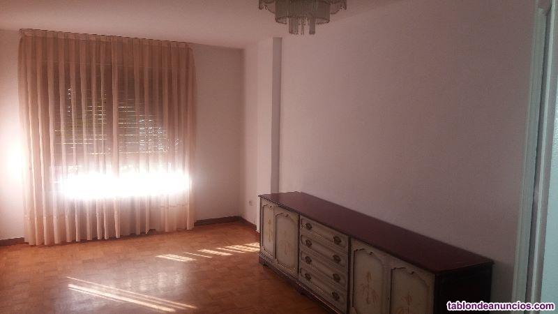 Vivienda de 3 dormitorios dobles, armarios empotra