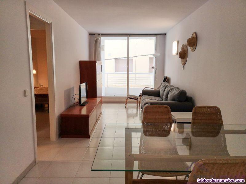 Bonito apartamento en el núcleo urbano recién refo