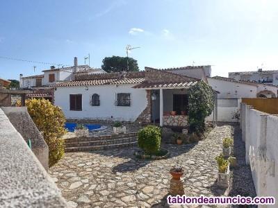 Casa situada en zona tranquila de LEscala (Riells