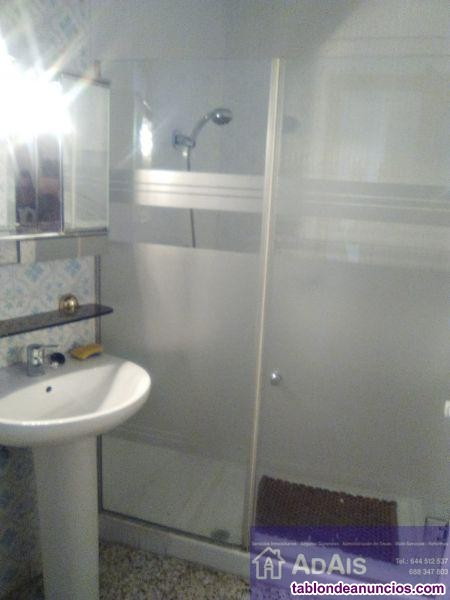 Piso, 120 m2, 4 dormitorios, 2 baños, Buen estado,