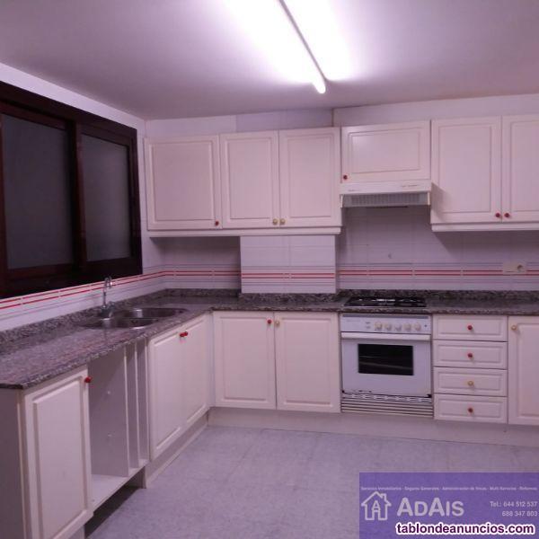 Piso, 150 m2, 4 dormitorios, 2 baños, 1 garajes, B