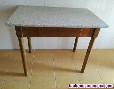 Mesa de cocina color granito