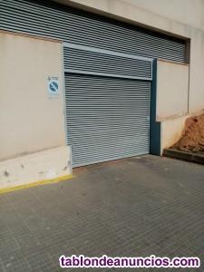 Alquilo plaza parking para coche pequeño