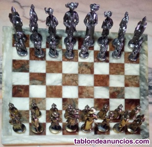 Juego de ajedrez de bronce y tablero de diseño en mármol