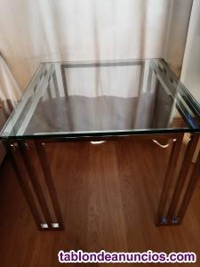 Mesa de centro de cristal y acero
