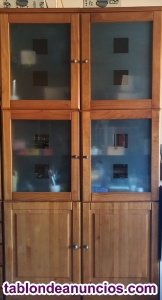 Mueble de madera noble con vitrina Saskia