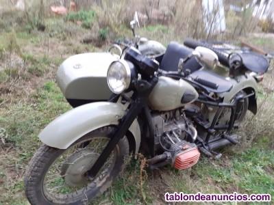 Moto con sidecar de la segunda guerra mundial