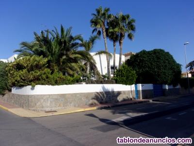 Villa en Las Marinas de Vera