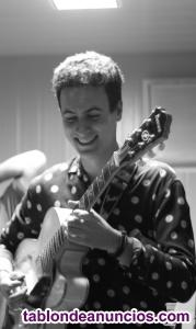 Clases de guitarra eléctrica, española, composición aplicada, lenguaje musical.