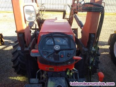Tractor kubota me9000 con pala.