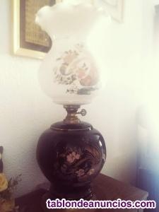 Lámpara quinqué antiguo de cerámica y bronce