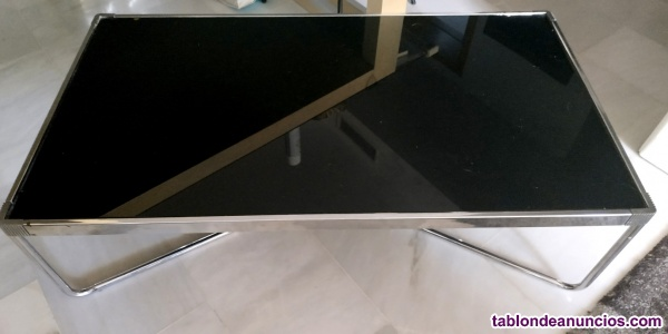 Mesa moderna de centro con cristal negro