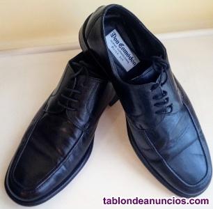 Zapatos de vestir de hombre marca Don Comodón talla 40 color negro.