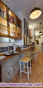 Bar, taberna en el centro de Málaga