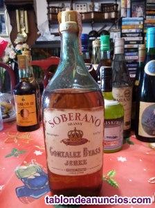 Brandy soberano botella muy antigua con sello de 4 pesetas