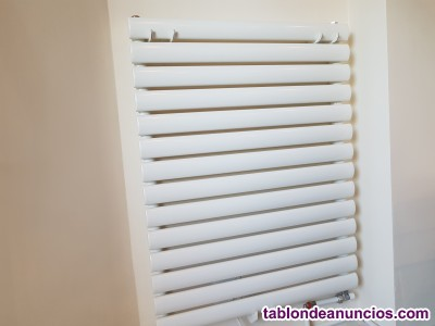 Radiador moderno lamas-tubos verticales .