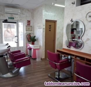 Se traspasa peluquería en Aranjuez