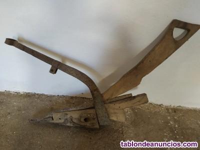 Se venden aperos antiguos de labranza en cordoba