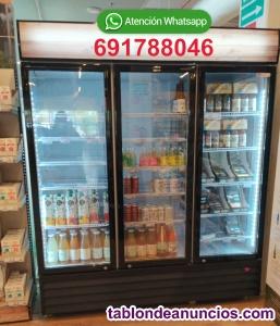 Nevera de bebidas frias 3 puertas de cristal