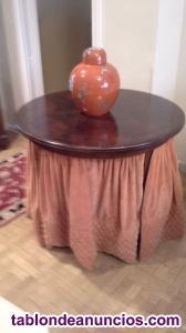 Antigua mesa camilla antigua con faldón de terciopelo original