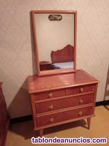 Mueble comoda con espejo cuadrado