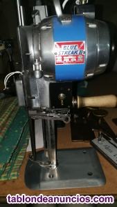 Maquina de corte vertical textil