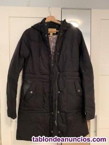 Abrigo negro con capucha Levis